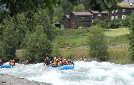 Rafting forbi Nordre Ekre
