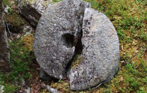 Nordre-ekre-fotturer-i-Heidal-kvernsteinsberget