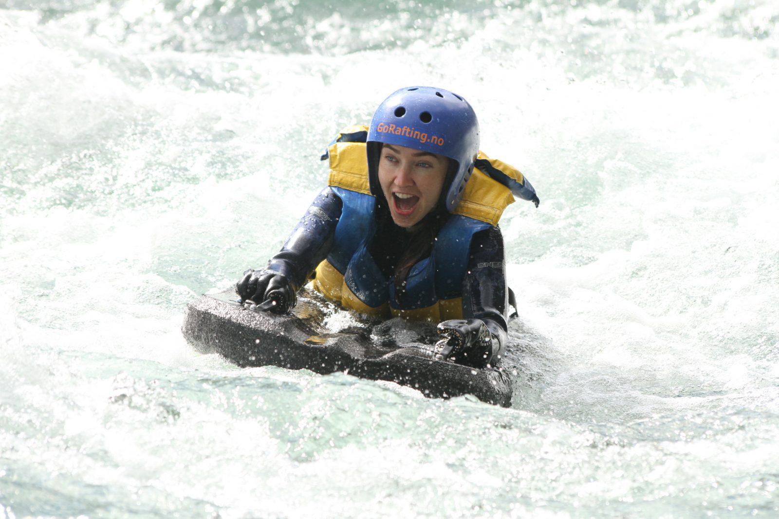 Adrenalinkick med elvebrett i Sjoa